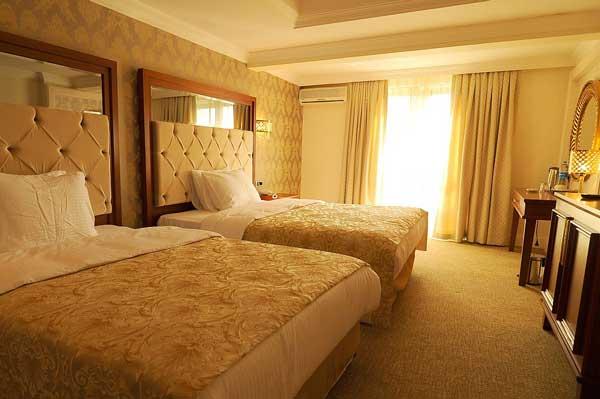 اكتشفوا اجمل الغرف الاجنبية   Asia-royal-hotel-family-room